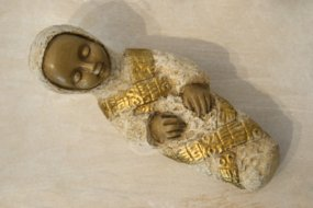 Angel in Pyrenean Stone - Creche Paysanne