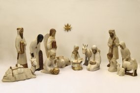 Complete Creche Paysanne in Pyrenean Stone